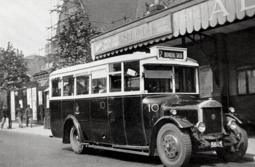 Dennis Bus    -   Images reproduced by kind permission of Culture Coventry Trust/Coventry Archives