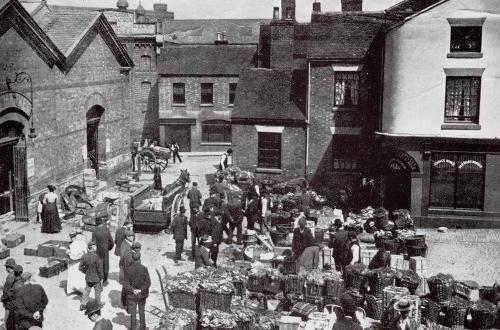 Market Square    -   Images reproduced by kind permission of Culture Coventry Trust/Coventry Archives