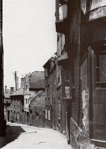 Palmer Lane    -   Images reproduced by kind permission of Culture Coventry Trust/Coventry Archives
