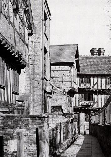 Trinity Lane    -   Images reproduced by kind permission of Culture Coventry Trust/Coventry Archives